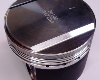R32 - Wossner 86mm 8:1 Pistons RB25